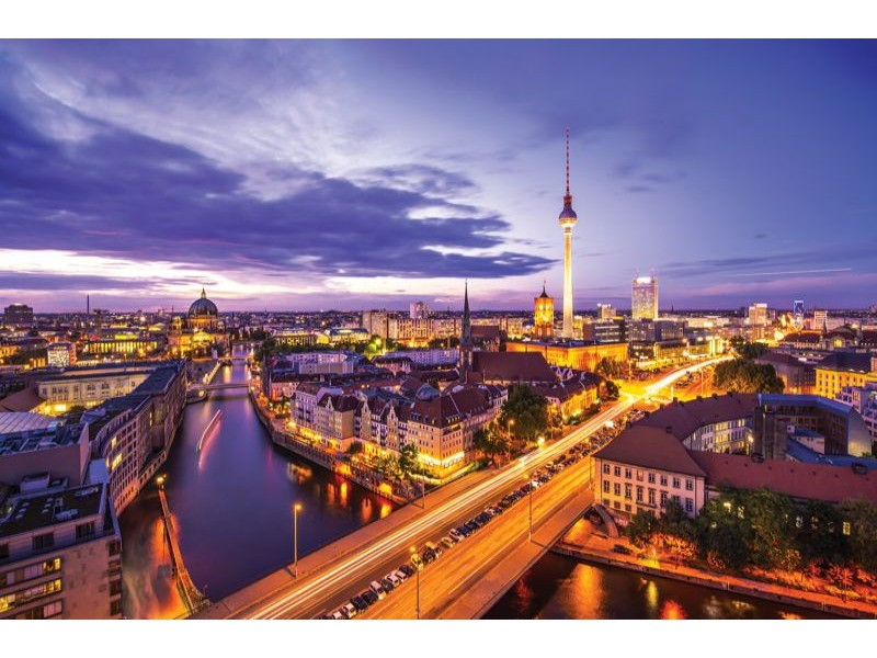 3372V8 - Fototapet Berlin panorama på natten