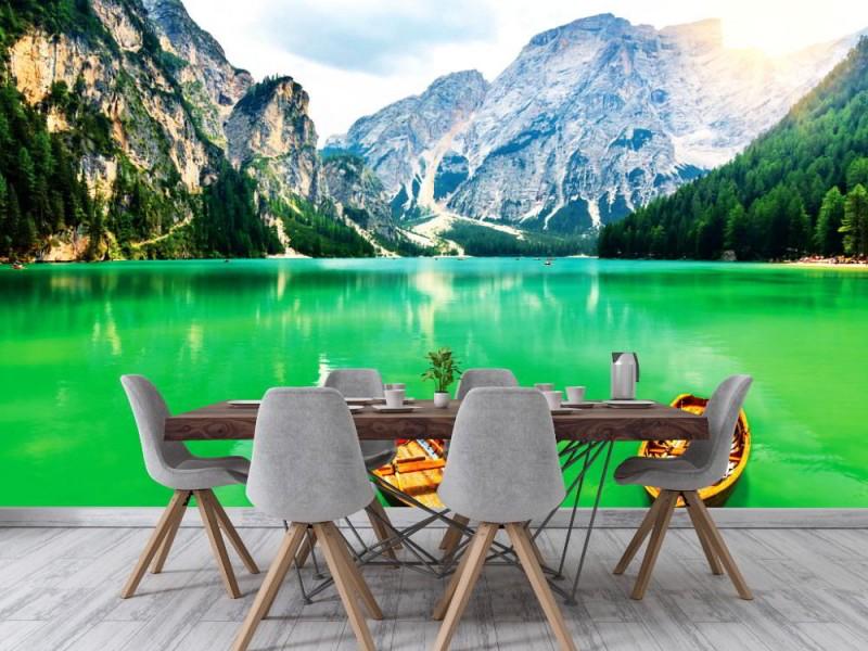 Fototapet båtar på en bergsjö i Sudtirol (28075362)