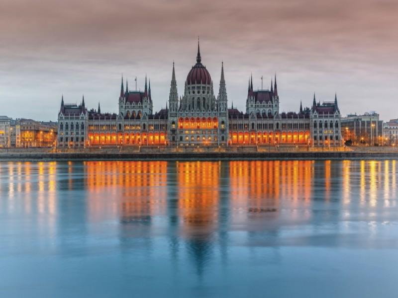 Fototapet parlamentsbyggnad i Budapest