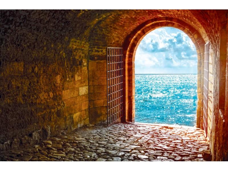 Fototapet vacker utsikt från välvd passage (44128301)