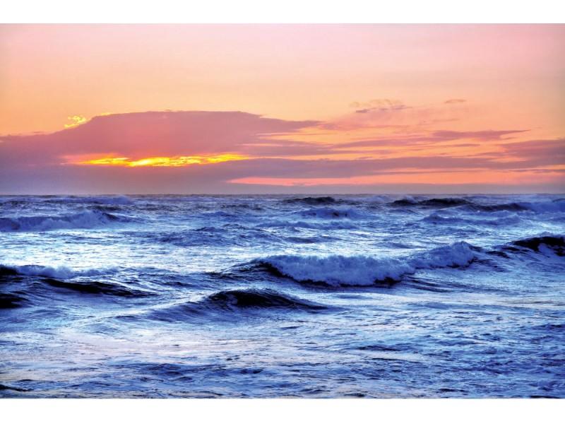 Fototapet blå hav och röd himmel (13717617)