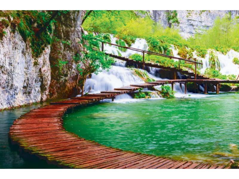 Fototapet trä bana i Plitvice nationalpark i Kroatien