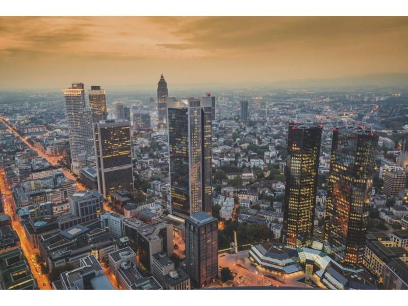 Fototapet Frankfurt på natten. (30147585)