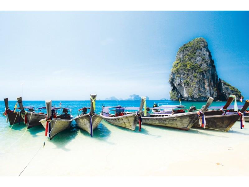 Fototapet longsvansbåtar båtar vid Phra Nang beach (Thailand)